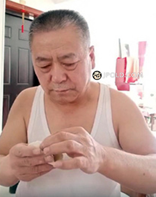 Old daddy was doing dumplings Video The 1 Picture