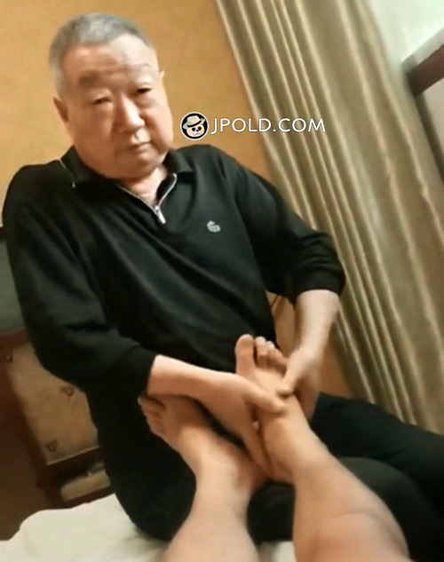 Massage master old daddy Video The 1 Picture