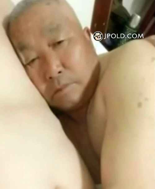 Touched old daddy face Video The 1 Picture