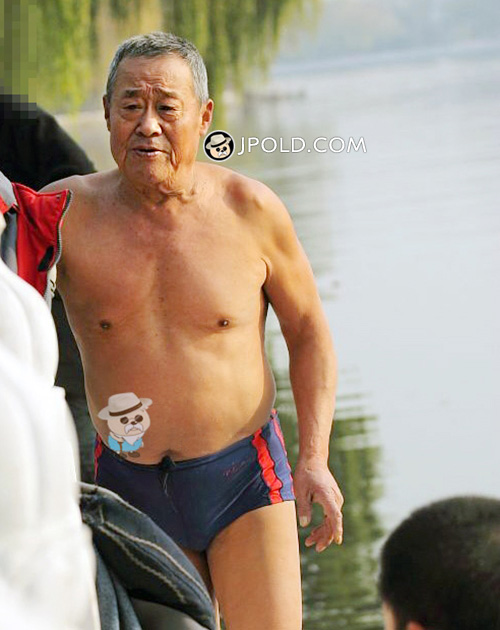 Old daddy in a boxer underwear went swimming